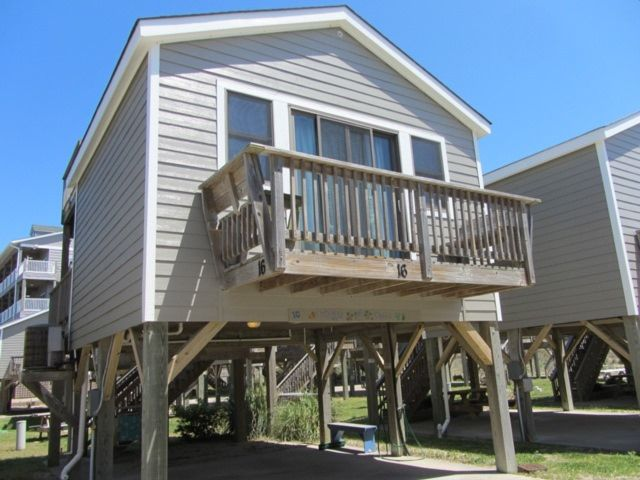 Relax at license to chill hatteras cabanas obx hatteras for Hatteras cabins rentals