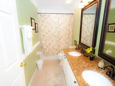 Highlands Reserve house rental - 2nd Floor Full bath with Granite Counter tops!