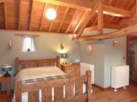 2 AWARD WINNING Eco conversions,sleep 6 and 10,Peak District views,Nr Alton Towers