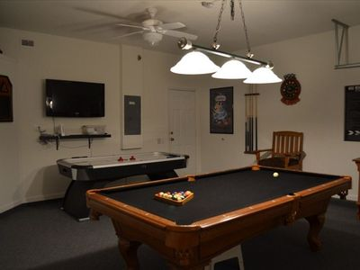 Game Room with American Standard 8' pool table, 5' DMI Air Hockey and Wii.