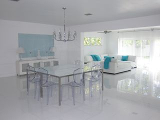 North Miami Beach villa photo