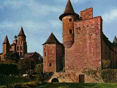 Collonges La Rouge - 10 minutes drive