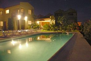 Prospect villa rental - Pool and house by night