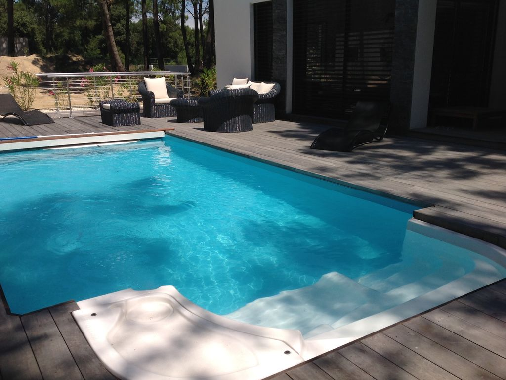 Luxury accommodation, with pool , La Palmyre, France