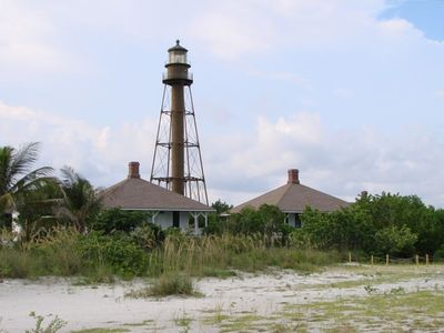 Historic Sanibel Light House 1/2 mile from Cottage