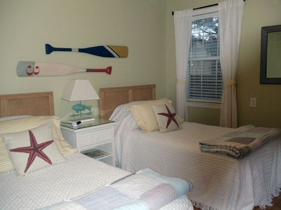 Gulf Shores cottage rental - Second bedroom has two twin beds