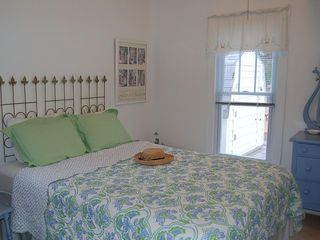 South Haven cottage photo - Back Bedroom, Queen Bed. Enjoy Refreshing Lake Breezes.