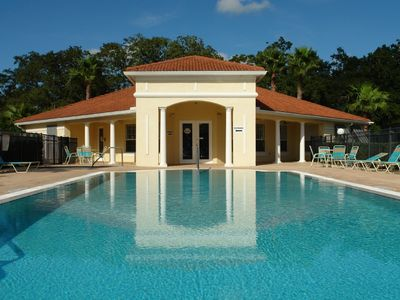 Lake Berkley villa rental - The main resort pool and clubhouse