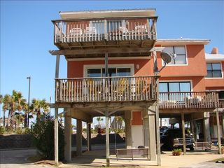 Gulf Shores townhome photo - Lagoon side decks covered carport with swing