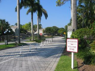 Deerfield Beach townhome photo - Front Gate