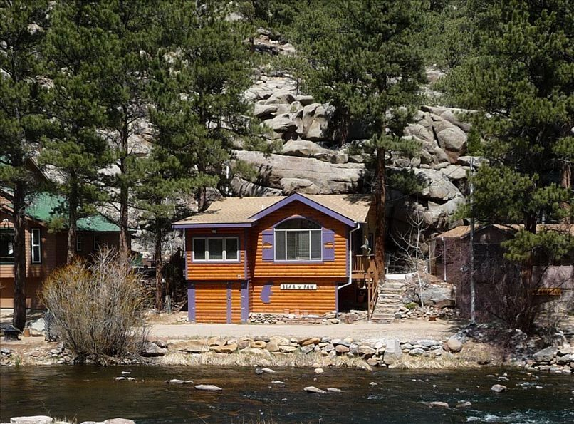 Pet friendly cabins in estes park hideout cabins rocky for Mammoth mountain cabins pet friendly