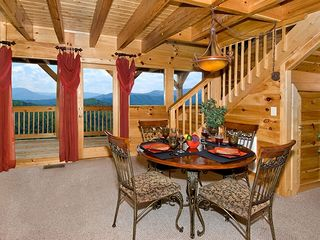 Pigeon Forge cabin photo - inside dining for 6