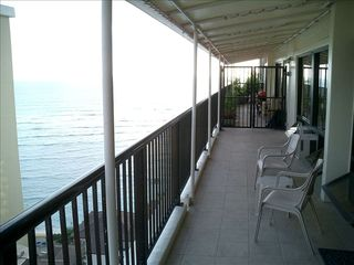Waikiki condo photo - Enjoy ocean and city view on lanai
