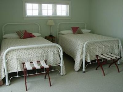 Inlet Beach house rental - Second Bedroom Upstairs with private access to bathroom.