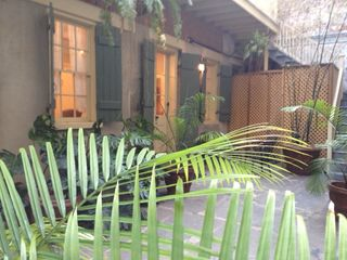 New Orleans studio photo - Courtyard