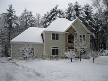 Winter Wonderland......Skiers paradise This property is .03 mile from Ski Lodge