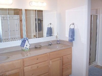 ~Double Mirrored Vanity~Adjoining Shower~Stacked Washer / Dryer~