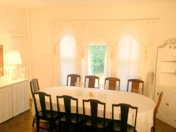 Dining Room: A perfect place to entertain family and friends for hours!