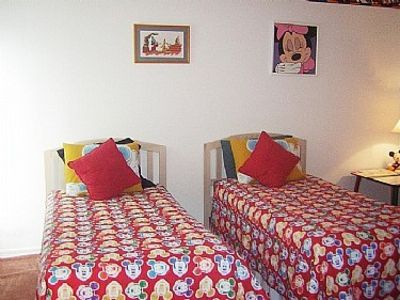 Twin bed Mickey and Minnie room