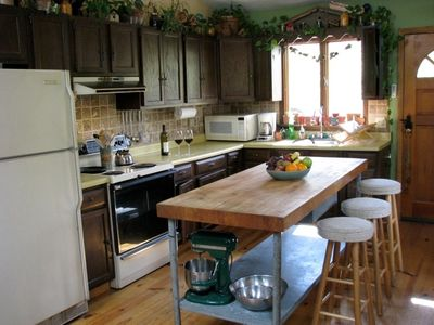Lake Wallenpaupack house rental - Kitchen w/ Butcher Block Table