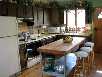 Kitchen w/ Butcher Block Table