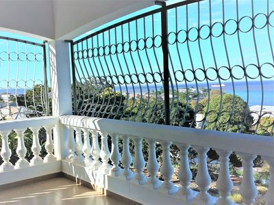 House cornice and a magnificent panoramic view of the bay