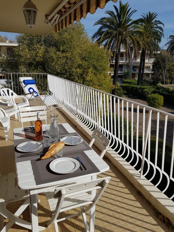 Apartment 80 m² at 100 m from the beach, parking, wifi