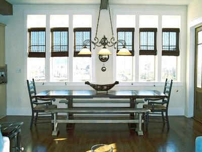 Seat Everyone at this Dining Table w/view of Gulf!