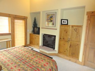 Steamboat Springs condo photo - Master bedroom on main floor with gas fireplace