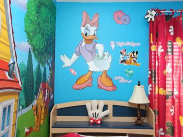 Kids bedroom _ left corner