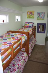 Crystal Beach cottage rental - children room main house
