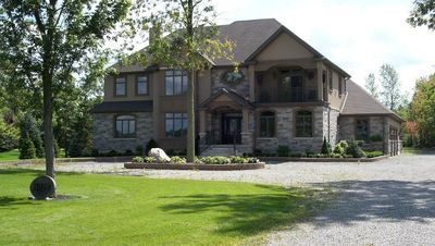River Front Home Near Niagara Falls - New on market