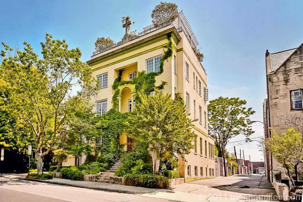 Historic mansion dupont loganmiddle of the vrbo for Dupont house