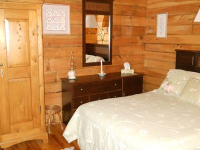 Green Lake cabin rental - Master bedroom on main floor (double bed)