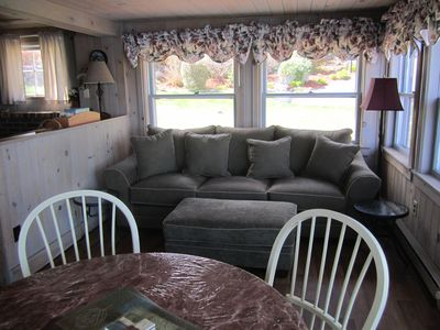 Lake Winnisquam cottage rental - Living room