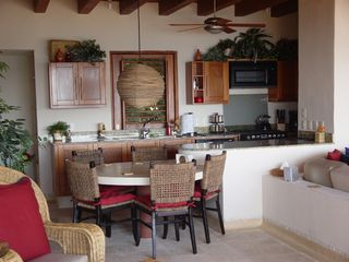 Zihuatanejo condo photo - Inside Dining and Kitchen