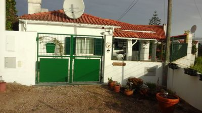 3 Bedroom House with garden & enclosed patio, Fantastic views of Sesimbra Castle