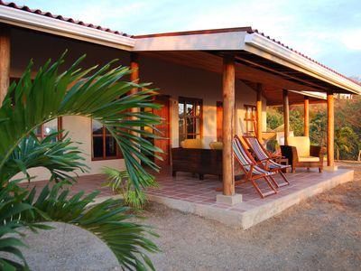 Beautiful house with spectacular views of the Pacific in wonderful natural beach