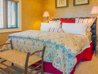 Franklin lodge photo - First floor master suite includes king bed and private access to west deck