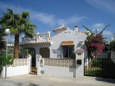 Detached villa 800 m. To the beach, seaview, heated pool, private garden, air conditioning.