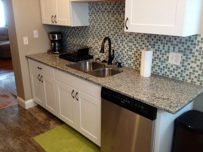 Gorgeously remodeled kitchen-Granite countertop, all stainless steel appliances!