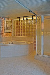Bath Features Jetted Tub, Separate Shower, Washer and Dryer