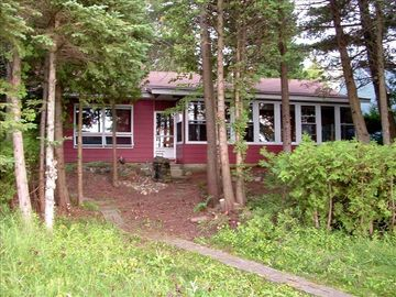 Mackinaw City cabin rental - The Thirsty Perch on it's beautiful wooded lot