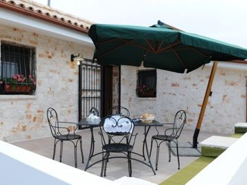 casa dei limoni terrasse with lounge and bbq