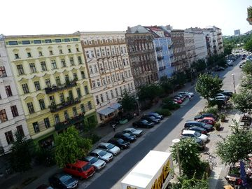 Oderberger Str.: view towards the Mauerpark