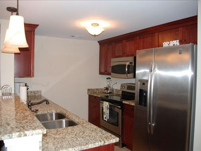 Full kitchen, stainless steel appliances, and all utensils, plus coffee maker