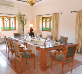 Gueliz villa photo - Dining room with fireplace