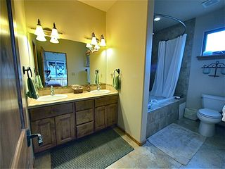 Santa Fe townhome photo - Master bath area, deep jetted tub.