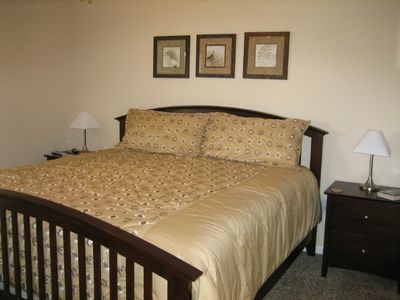 Master Bdrm w/ Private bath-King Bed