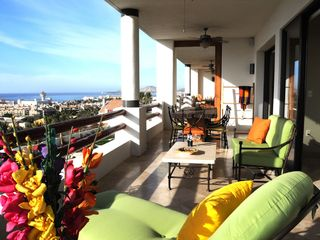 San Jose del Cabo condo photo - Dine, lounge, listen to music, chill and enjoy breezes on the 73' long terrace